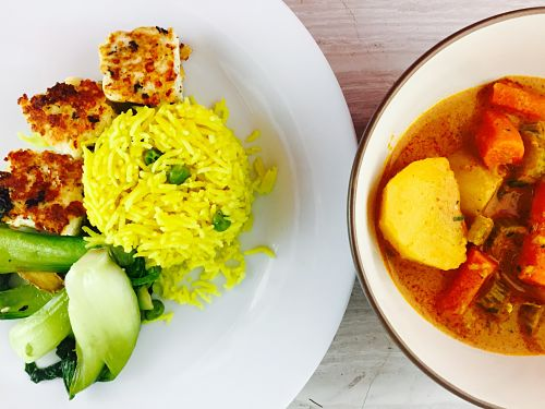 INDO-CHINESE FUSION: RED CURRY, PANEER & TURMERIC RICE