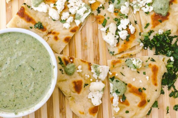 Easy homemade mint chutney with yogurt