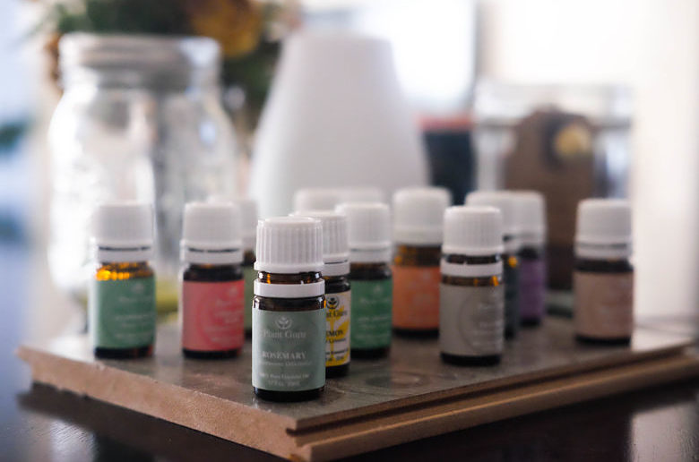HEALTH & BEAUTY BENEFITS: ESSENTIAL OILS EDITION
