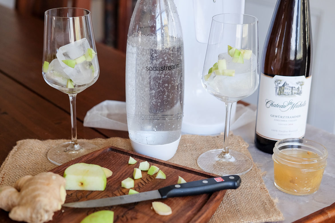 White Wine, Ginger & Apple Spritzers